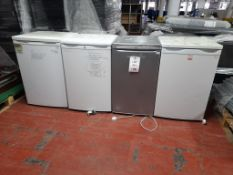 4 - Domestic fridges, as lotted