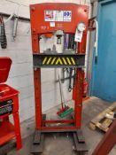 Sealey YK50FM 50-ton hydraulic press