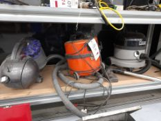 3 - Vacuum cleaners, as lotted