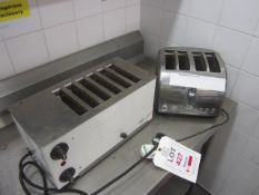 Two assorted 4 slice toasters