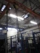 Morris 2000kg chain block and hoist, manual operated (Please Note: We do not hold any