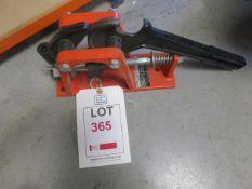 Hose lock press