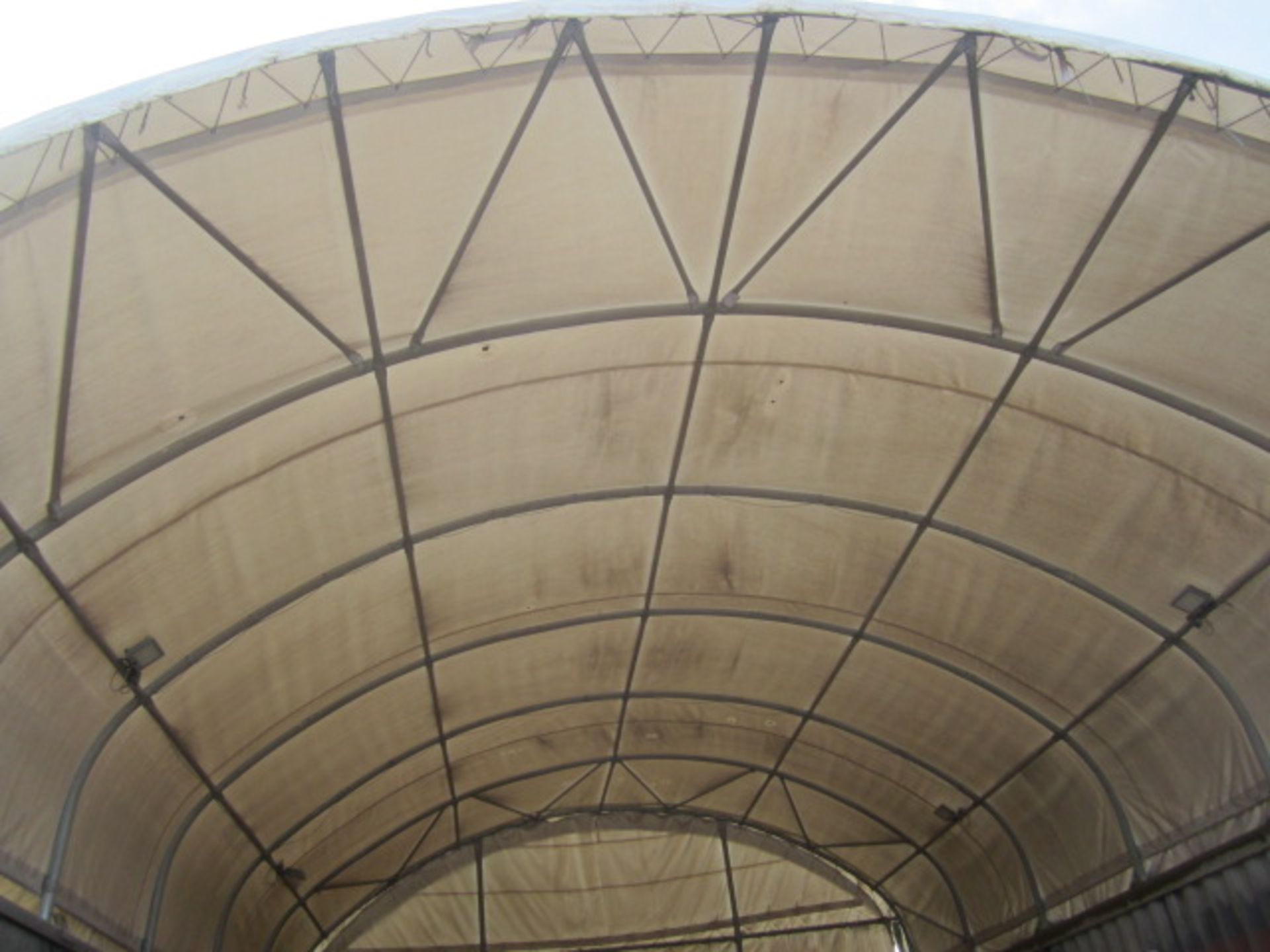 Shelter - IT portable industrial canopy, tubular frame, approx. 40ft length x 22ft width x 20ft - Image 2 of 6