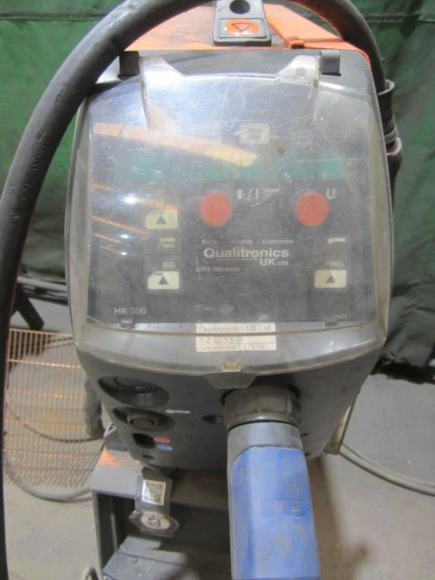Kemppi Fast Mig M420 mig welder, serial no. 2674258, with Fast Mig MXF65 wire feeder, serial no. - Image 4 of 8