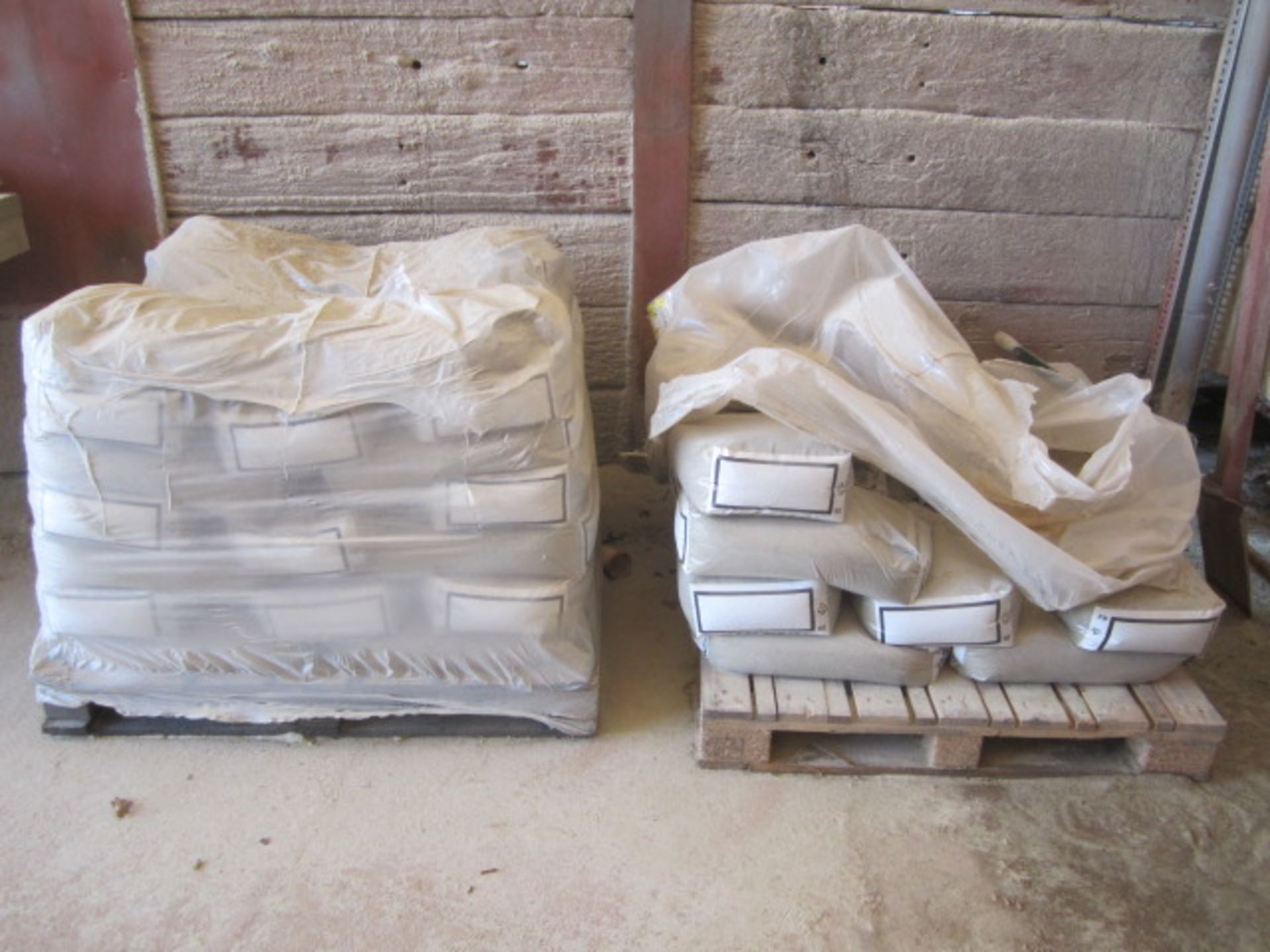 Four part pallets of shot blast stock, coarse and fine grades - Image 4 of 6