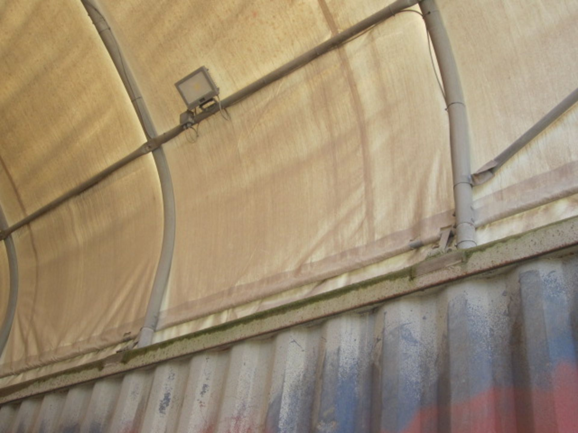 Shelter - IT portable industrial canopy, tubular frame, approx. 40ft length x 22ft width x 20ft - Image 6 of 6