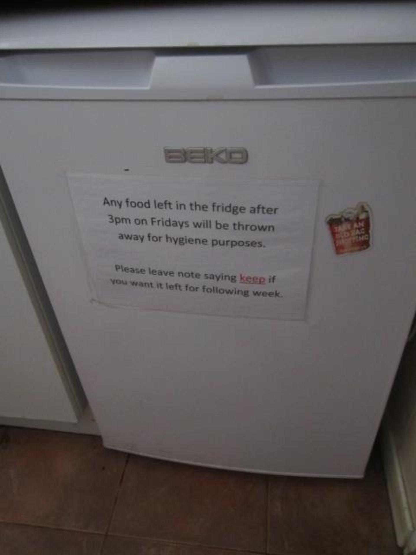 Beko dishwasher, Delonghi microwave oven, toaster, Instanta stainless steel water dispenser, Beko - Image 2 of 4