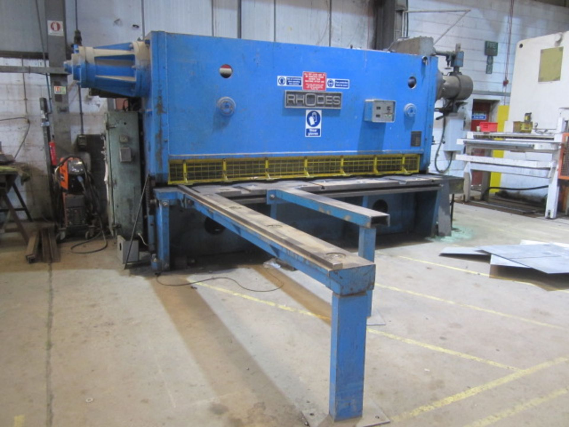 Rhodes 10ft heavy gauge hydraulic guillotine, serial no. 15603, power back gauge, front supports,