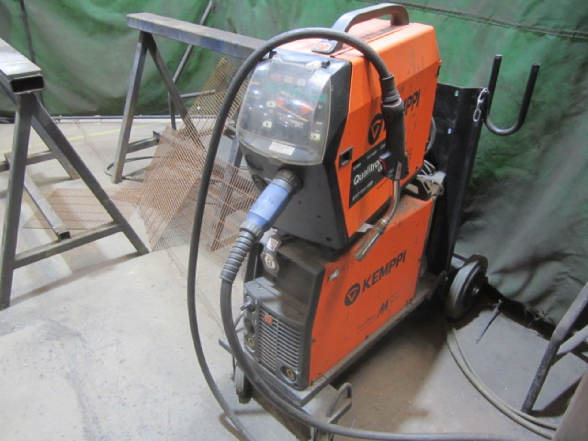 Kemppi Fast Mig M420 mig welder, serial no. 2674258, with Fast Mig MXF65 wire feeder, serial no. - Image 2 of 8