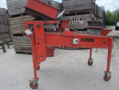 Downs hot seed potato cutter, working width approx. 730mm, capacity 4 ton per hour - incomplete