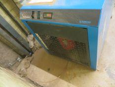 Hankison HHDP 210 CR-G air dryer (2001) s/n G2301001204 (3 Phase)