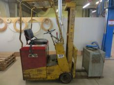 Montgomerie Fork Lift Truck MR-15 s/n 15-2370 (1976) Capacity 1680 Lbs c/w Westinghouse Charger 240V