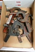 Assorted carver clamps, small (Recommended collection period for this lot Wednesday 15th - Friday