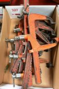 Assorted carver clamps, medium (Recommended collection period for this lot Wednesday 15th - Friday