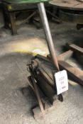 """Heavy duty, hand operated bar/section cutter, approx width capacity ½"""" (Please contact auctioneer or"""