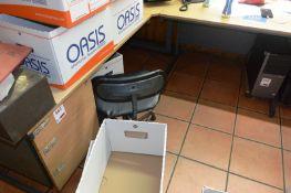 Light oak effect L shape cantelever desk with 3 drawer pedestal