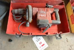 Hilti TE 705 110v breaker, with carry case and breaker bits