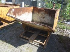 Forklift mounting tipping skip, 1340 x 1500mm