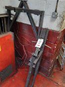 Floor crane (missing 2 wheels)