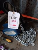 Xona 5t chin block XNCB, T10 x 300mm chain with 3m lift, serial number 009240322 (YOM 11/2020). *N.