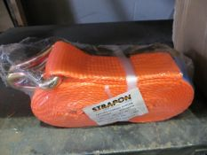 Eleven unused and boxed orange ratchet lashing straps 6m long * This lot is located at Unit 15,