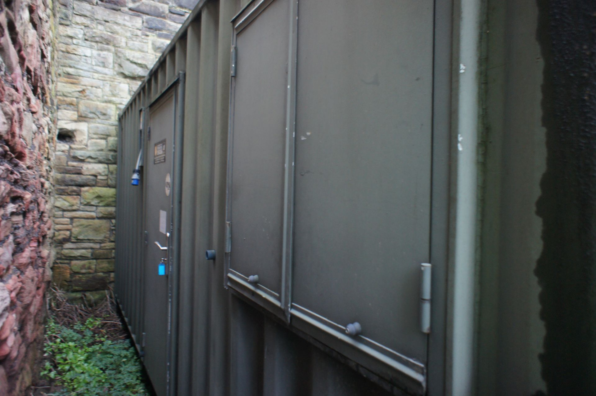 Containerised site office 20ft x 8ft, comprising o - Image 2 of 8