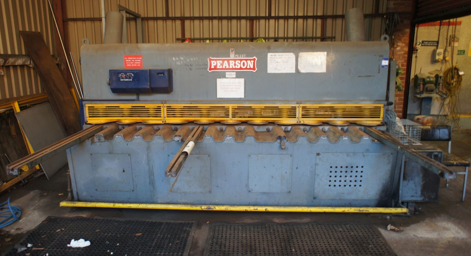 Pearson Hydraulic Guillotine, 3500mm x 10mm, 415v - Image 3 of 6