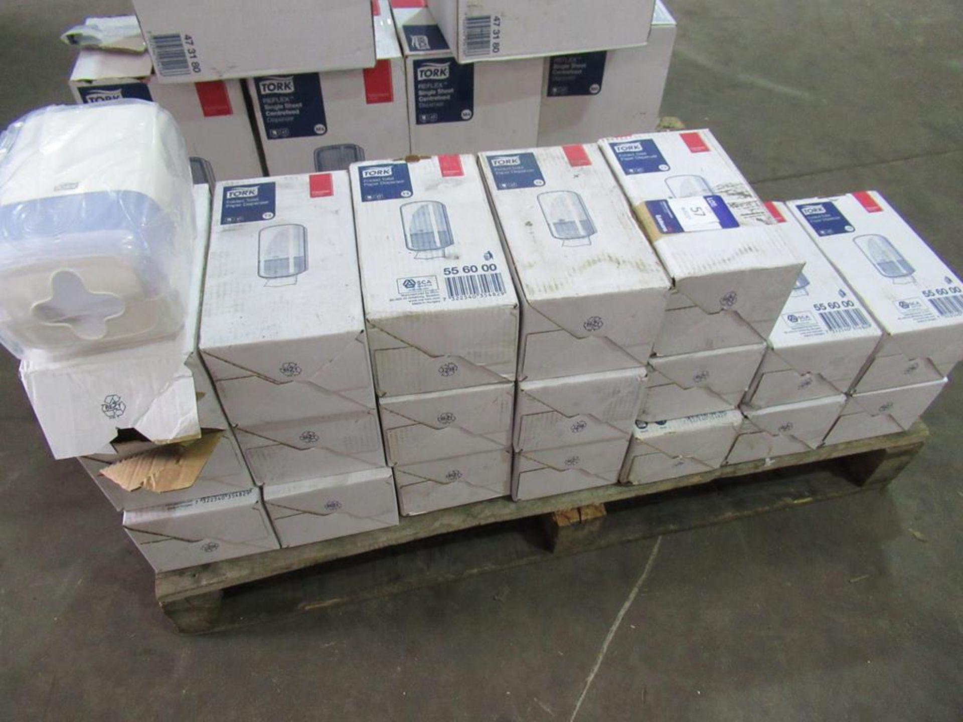 19 x Tork T3 New Folded Toilet Tissue Dispensers - Image 3 of 5