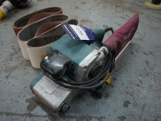 Makita 940K belt sander 240 volts with spare belts
