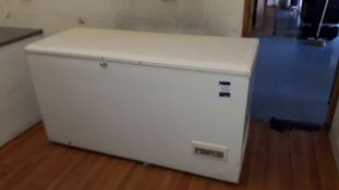 Whirlpool WCN17-8 Chest Freezer 1600mm Serial Number 300439004982. Located at Fresco's Hemel