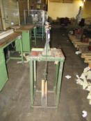 1x Foot Operated Ratchet Press/Punch