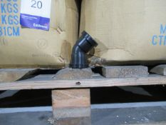 Approx. 15 Boxes x Qty 300 Model MA2132B 32mm Black Push fit 45˚ Elbow (Approx. 4500 fittings)