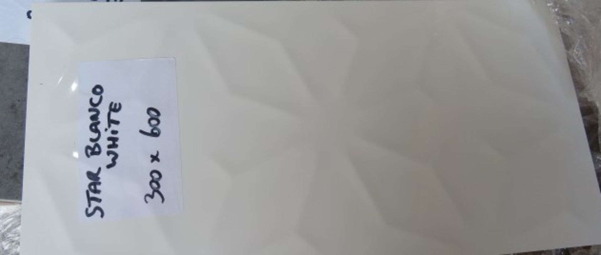 NEW 8.55 Square Meters of 3D White Star Effect Wall and Floor Tiles. 300x600mm per tile. 8mm - Image 3 of 3