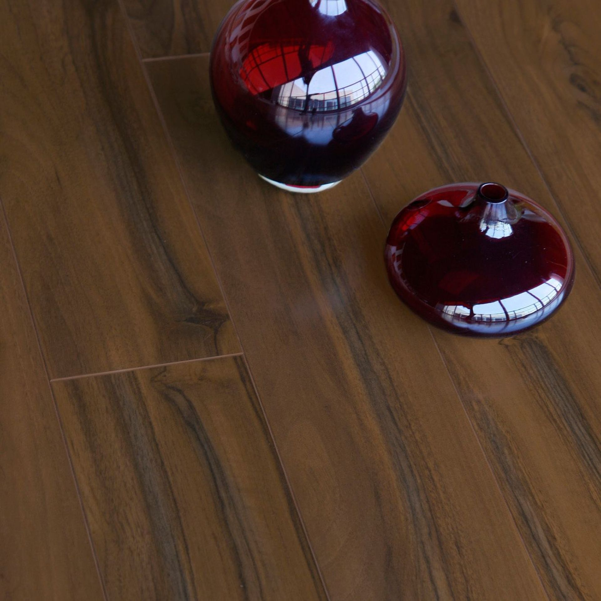 New 24.2M2 Scherzo Dark Walnut Effect Laminate Flooring, 1.21M_ Pack.12mm Thick, 125x1213mm Per