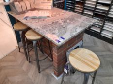 Granite worktop (Approx 1500 x 900), with 4 x stools