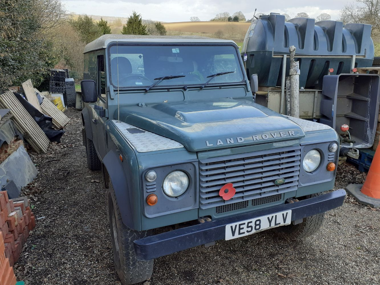 Land Rover Defender 110 Hard Top (2008), Land Rover Discovery Commercial (2012), Range of Builders Small Tools & Equipment