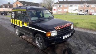 Land Rover Discovery 4.0 ES V8 Auto Petrol, regist