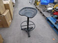 Tractor saddle stool