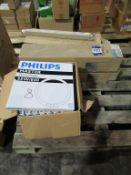 8 x Philips Master TL5 Circular 55W, 40 x Philips Master TLD Circular 55W TLD 16W, 25 x Philips