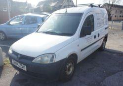 Vauxhall Combo 1700 DI Van, diesel, white, Registr
