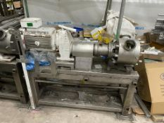 2 x Masosine Pumps. 2 x Masosone pumps suitable for parts only. Some damage to the connecting rings