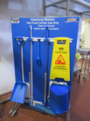 Mobile Double Sided Cleaning Station