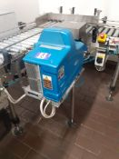 Infeed Conveyor 1.6m long with 90-degree directional change with Nordson ProBlue 4 Gluer