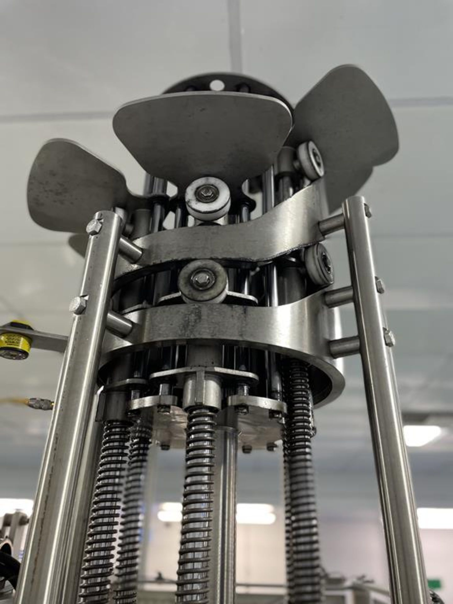Carruthers Rotary Six Head Can Filler with 6 Filling Heads and 6 Tamping Heads - Image 8 of 15