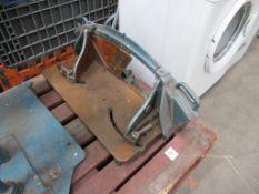 Manual guillotine.