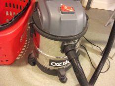 Ozito Commercial Vacuum Cleaner