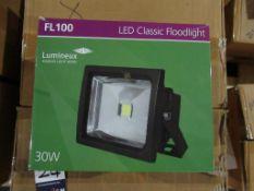 18 x LED 30W High Powered Floodlight 3000K Black OEM Trade Price £252