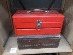 2 x Hydraulic Pullers