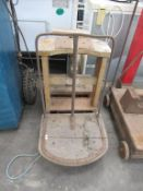 Tong Product Wooden Grain Balance