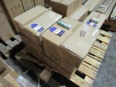 600 x Lumineux 7W Thumberlina B15 220-240V 3500K OEM Trade Price £1800